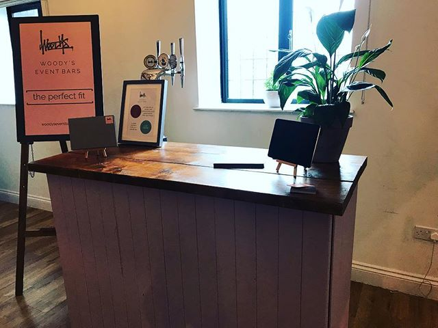 Wedding show time! . . . . . #surreywedding #weddingbar #mobilebar #festivalwedding #weddingplanning