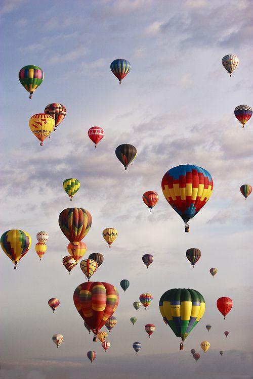 Albuquerque, New Mexico Hot Air Balloon Festival (photo by Daniel Cummins)