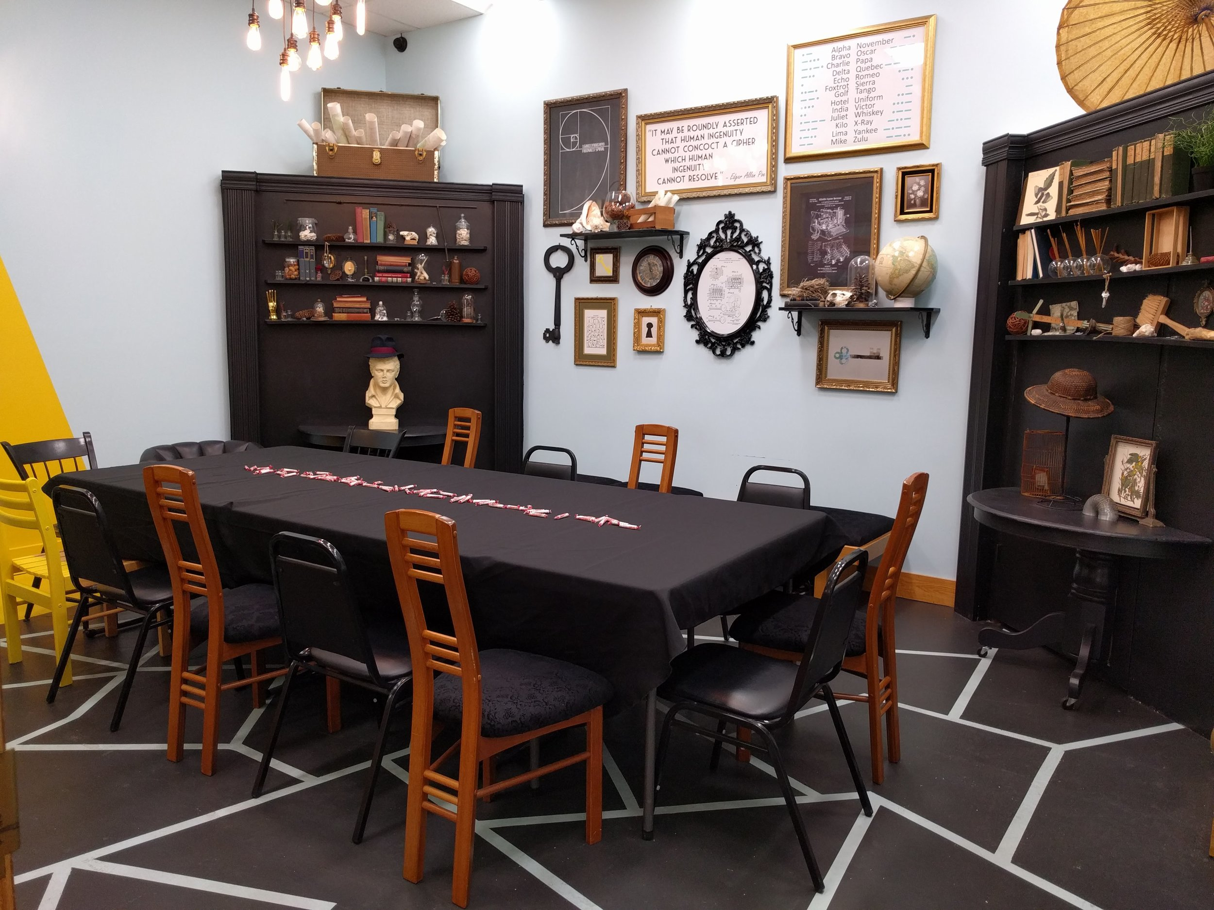 escape rooms Bloomingon IN downtown Bloomington team-building family friendly fun