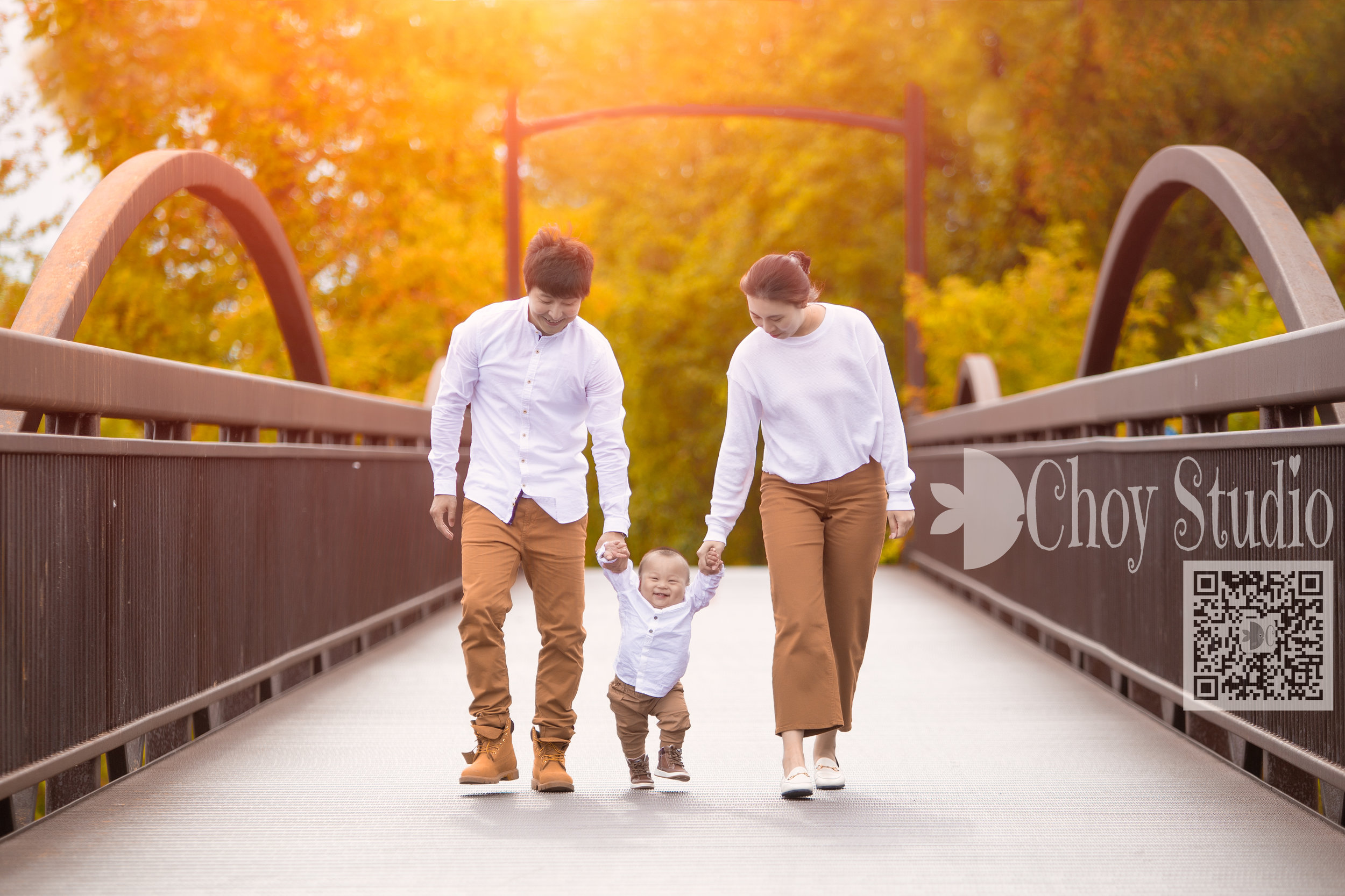 Family Portrait   starts at  $199 . click the image above to check our family album gallery.