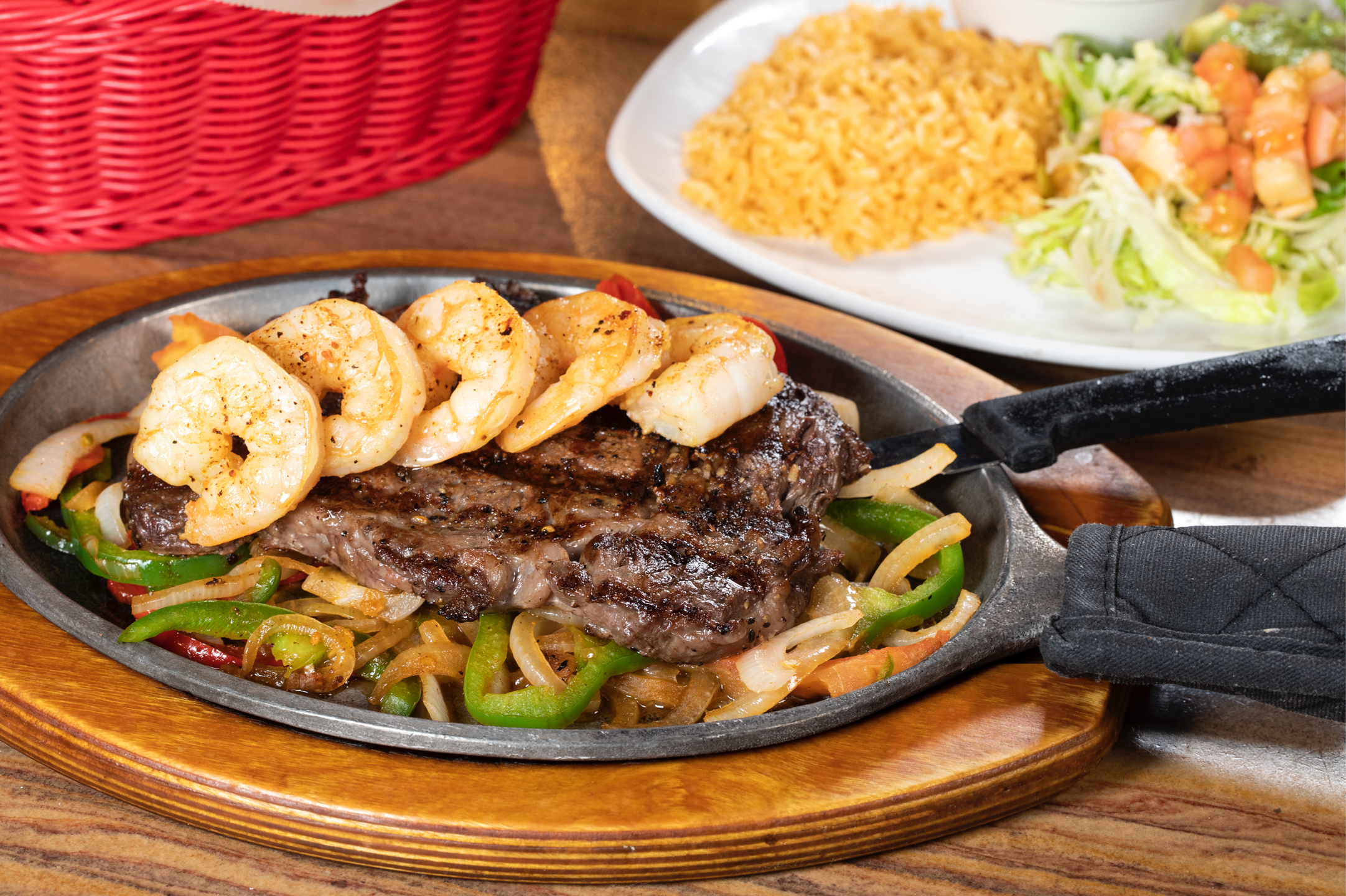 steak-and-shrimp-fajita.jpg
