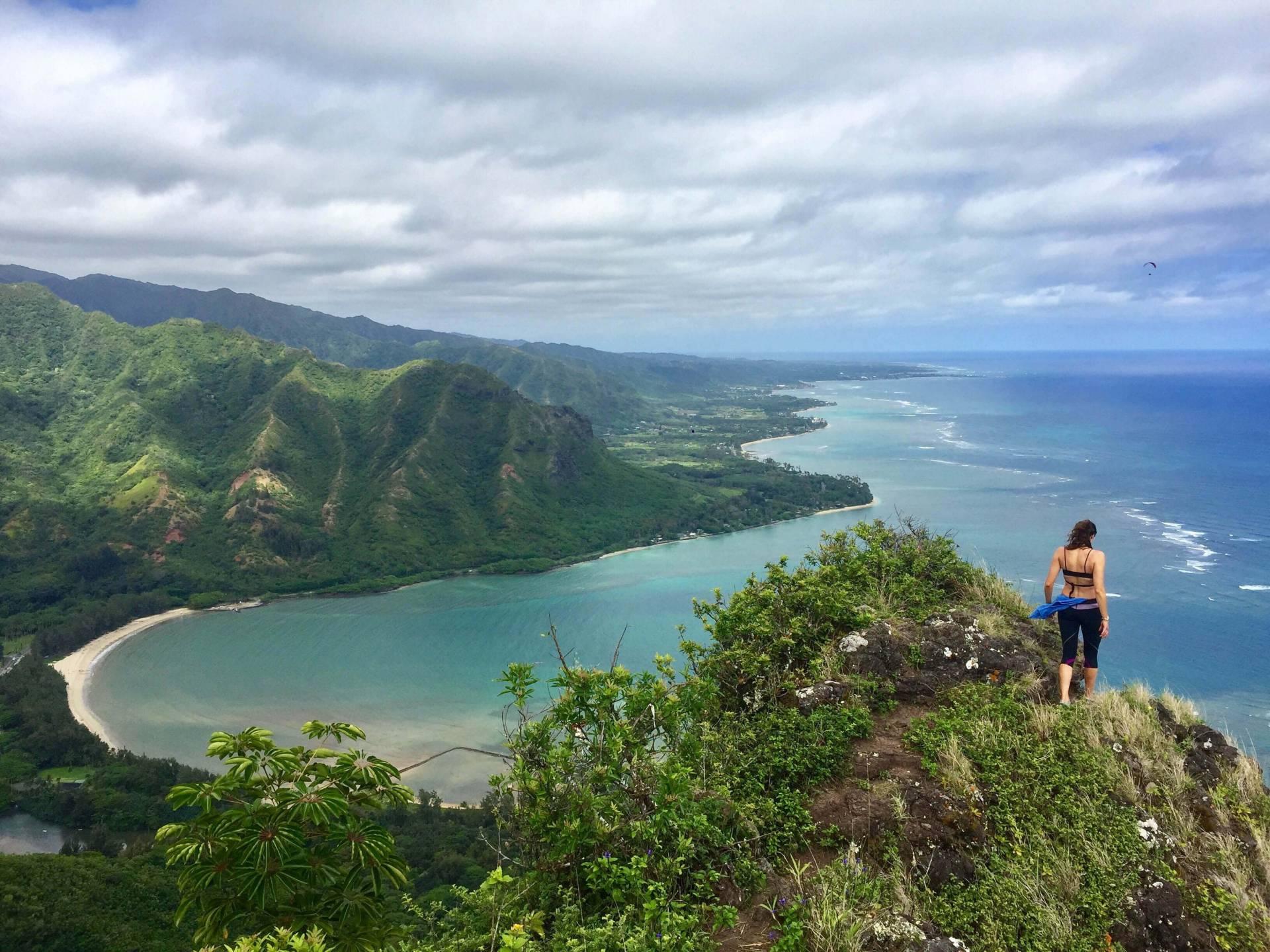 Hiking Pu'u Manamana on Oahu Hawaii