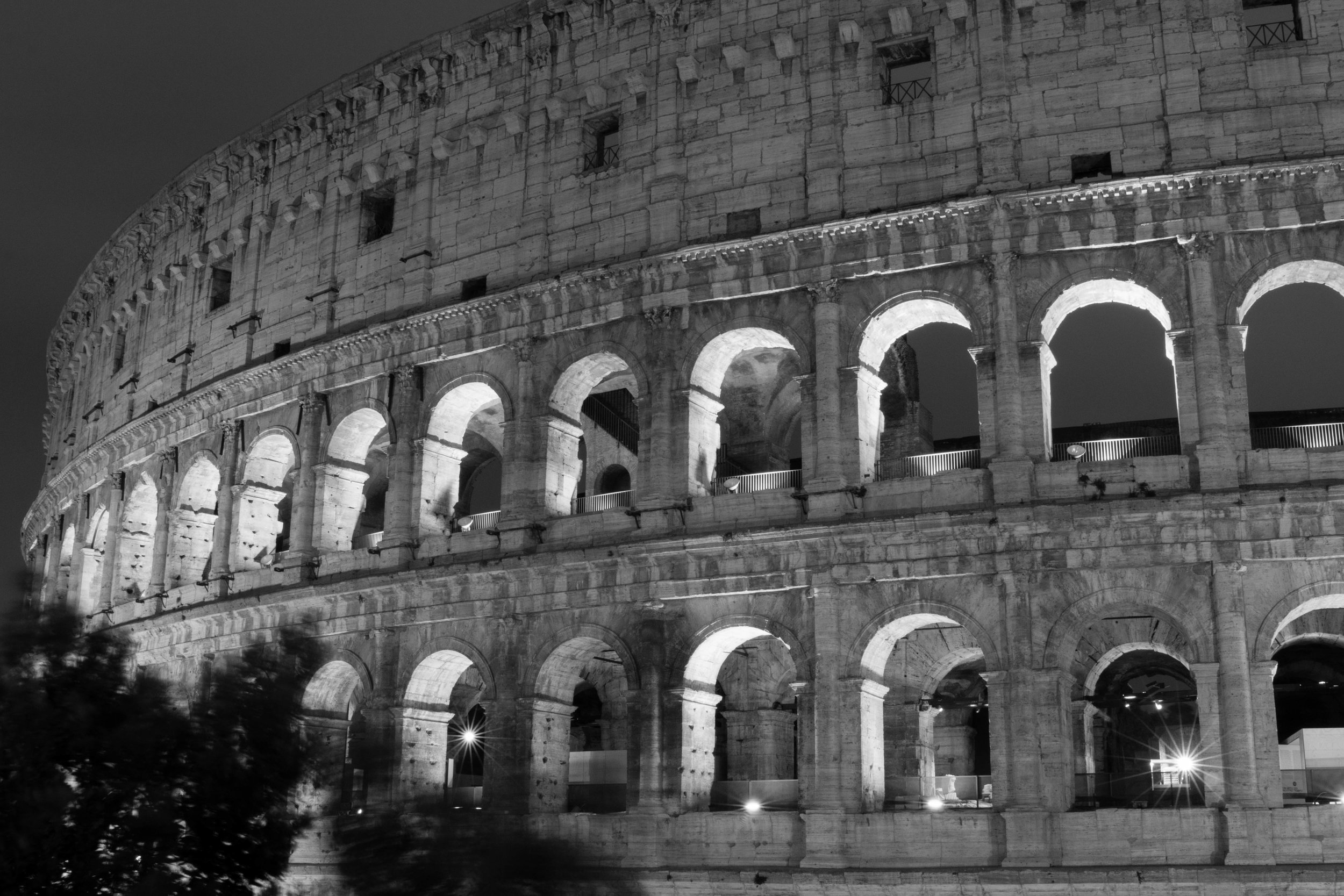 Visiting the colosseum at night for night photography