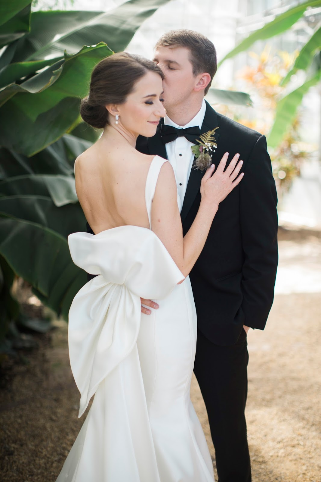 Southeastern Bride - Maggie + Charlie's Classic Birmingham Wedding was featured in 2017 on Southeastern Bride photographed by Leslie Hollingsworth Photography. To see the full feature, please click here.