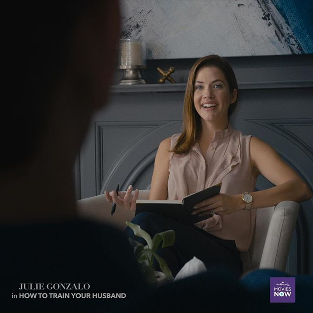 Watch the beautiful and talented @julie_gonzalo as a marriage therapist who needs help in her own marriage in HOW TO TRAIN YOUR HUSBAND! On Hallmark Movies Now! . . . #marriageisfun #hallmarkmovies #boston #beagle #marriage