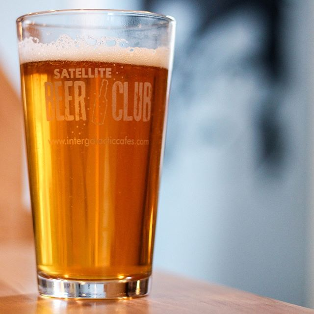 #SatelliteBeerClub is returning to orbit! Stay tuned for more details. ✌️ ❤️ 🛰  #supportlocalbusiness #shopsmall #smallbusiness  #drinkwithneighbors #craftbeer #craftbeerchicago #Chibeer #midwestbeer #supportlocalbeer