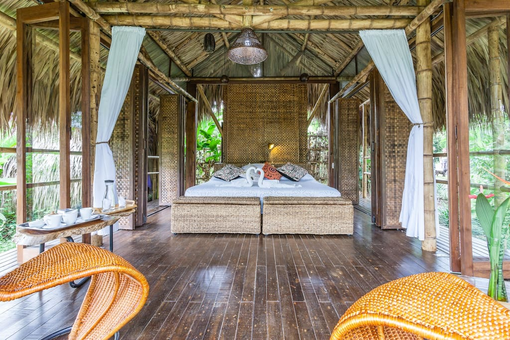 Are you looking for Airbnb Homes that won't break your bank account? Head over to More Detours to see 4 Airbnb Homes all over the world under $100!