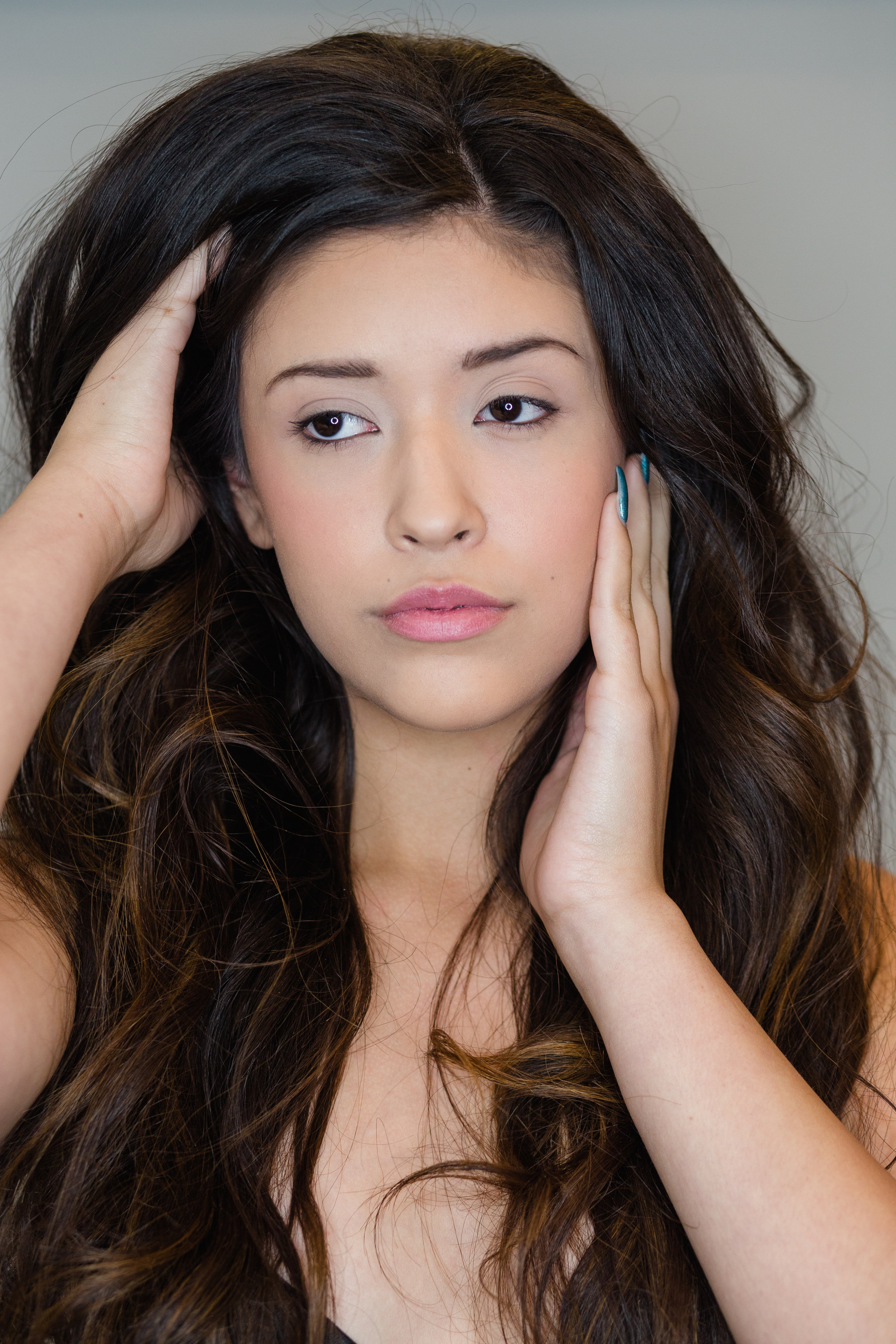 Hannah(M)-Nomakeup_Makeup-2.JPG