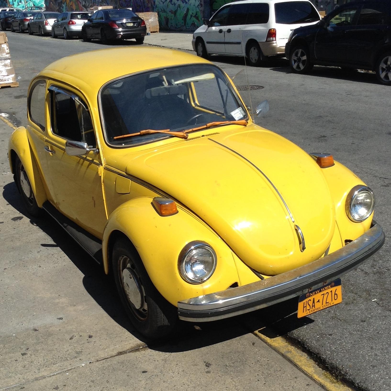Volkswagen Beetle 1985 - Rent $150/h
