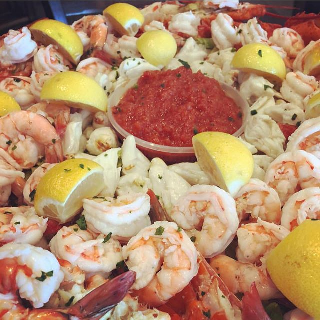 Happy Memorial Day from all of us at B&B Fish!!! Don't forget to order your cold cocktail platters before it's too late!  Shrimp platters starting at $40.  #tastethedifference #bnbfish #bnbfishandclam #seafood #longislandseafood #ifitswimsaskforit #shrimp #shrimpcocktail #kingcrab