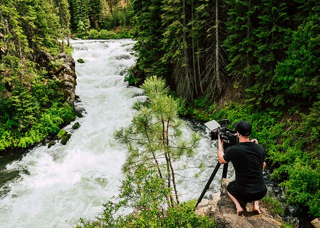 30ft drop on both sides ✔️ Loose rocks ✔️ Raging river ✔️ Taking the Red to the edge 😬 . . . #redcamera #zeiss #cinematography #lensculture #reddragon #videoproduction #camerarig #cameragear #setlife #zeiss #cine #filming #filmlife @reddigitalcinema @redcamerausers