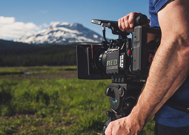 "Logging some long days in the ol ""office"" 🎥🏔 . . . . @redcamerausers @reddigitalcinema @redcinemaclub #redcamera #cinematography #filmmaking #bendoregon #oregon #zeiss #cinematography #lensculture #reddragon #videoproduction #camerarig #cameragear #setlife #zeiss #cine #filming #filmlife"