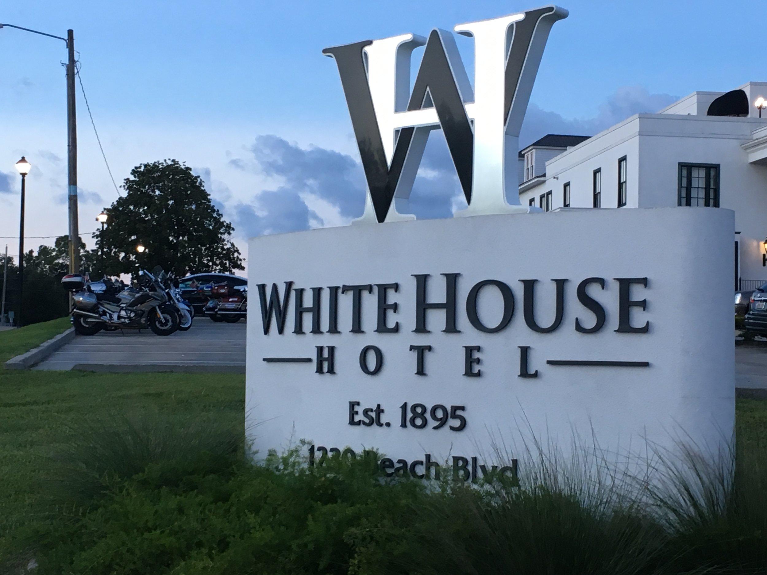 The White House Biloxi.JPG