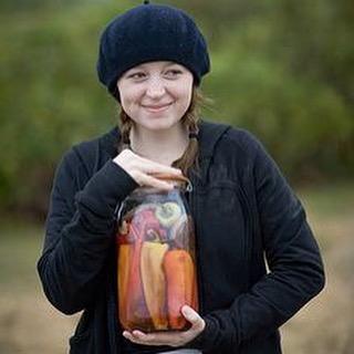 pickle jar bonnie.jpg