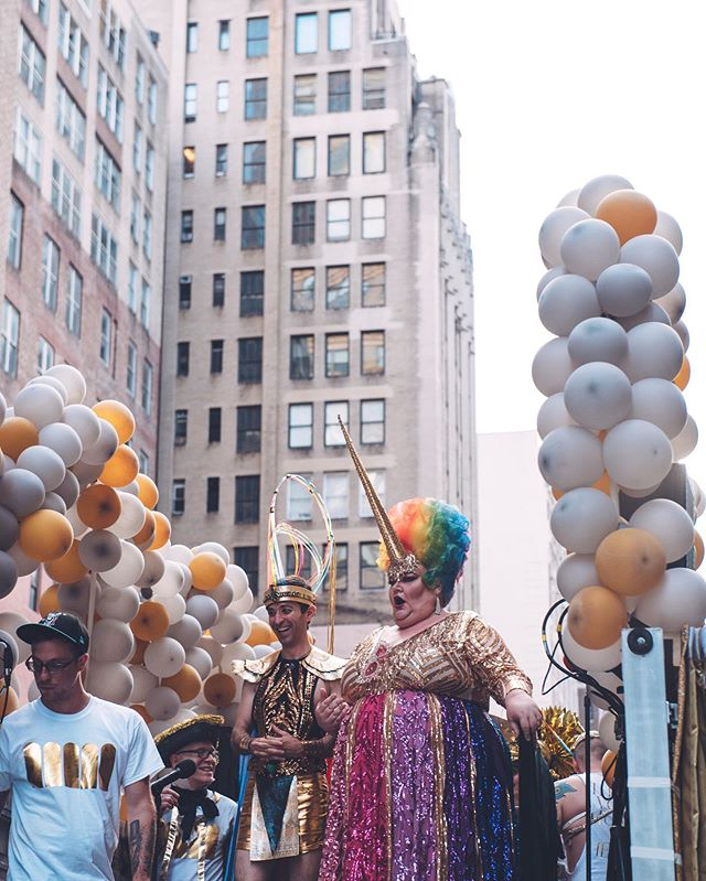 one month later & still dreaming about the colors of the @metopera float in the @nycpride parade 😍 cream + gold all day, bb . . . #photosinbetween #portraitgames #portraitcollective #nycphotographer #portraitphotographer #nycportraitphotographer #pursuitofportraits #portraitcentral #candidmoments #newyork_ig #newyorkers #momentsinbetween #thosenewyorkstreets #worldofwonder #newyork_ig #seekmoments #aovportraits #nycpride2019 #prideparade #metopera