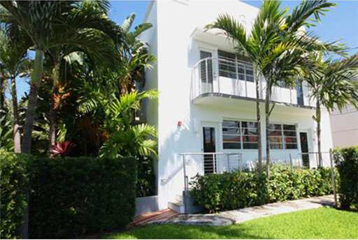Miami Beach, FL  WATER CLUB APARTMENT HOMES