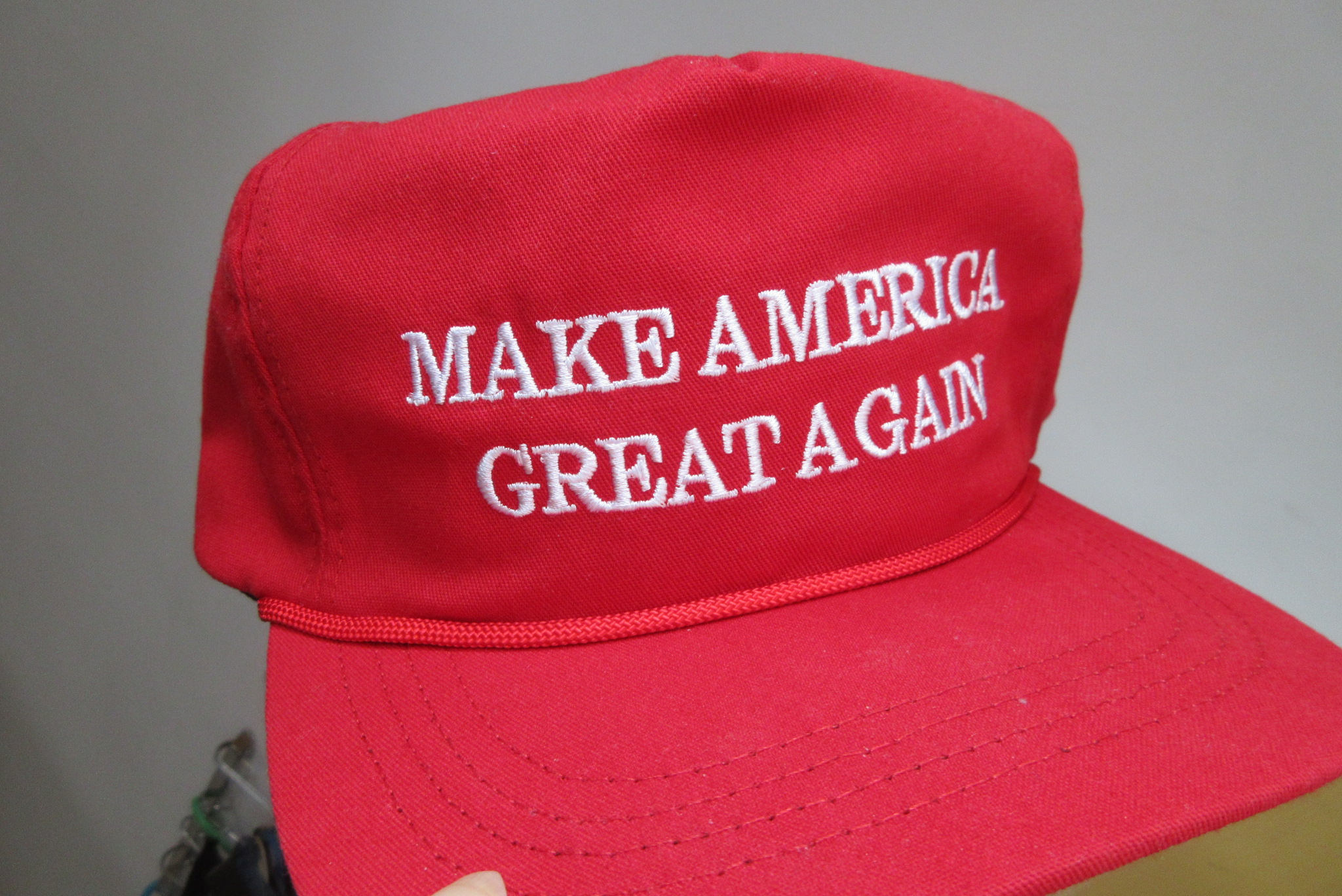 HK_fans_item_the_red_cap_hat_cotton_white_words_Make_America_Great_Again_label_made_in_USA_CF_headwear_April_2017_IX1_05.jpg