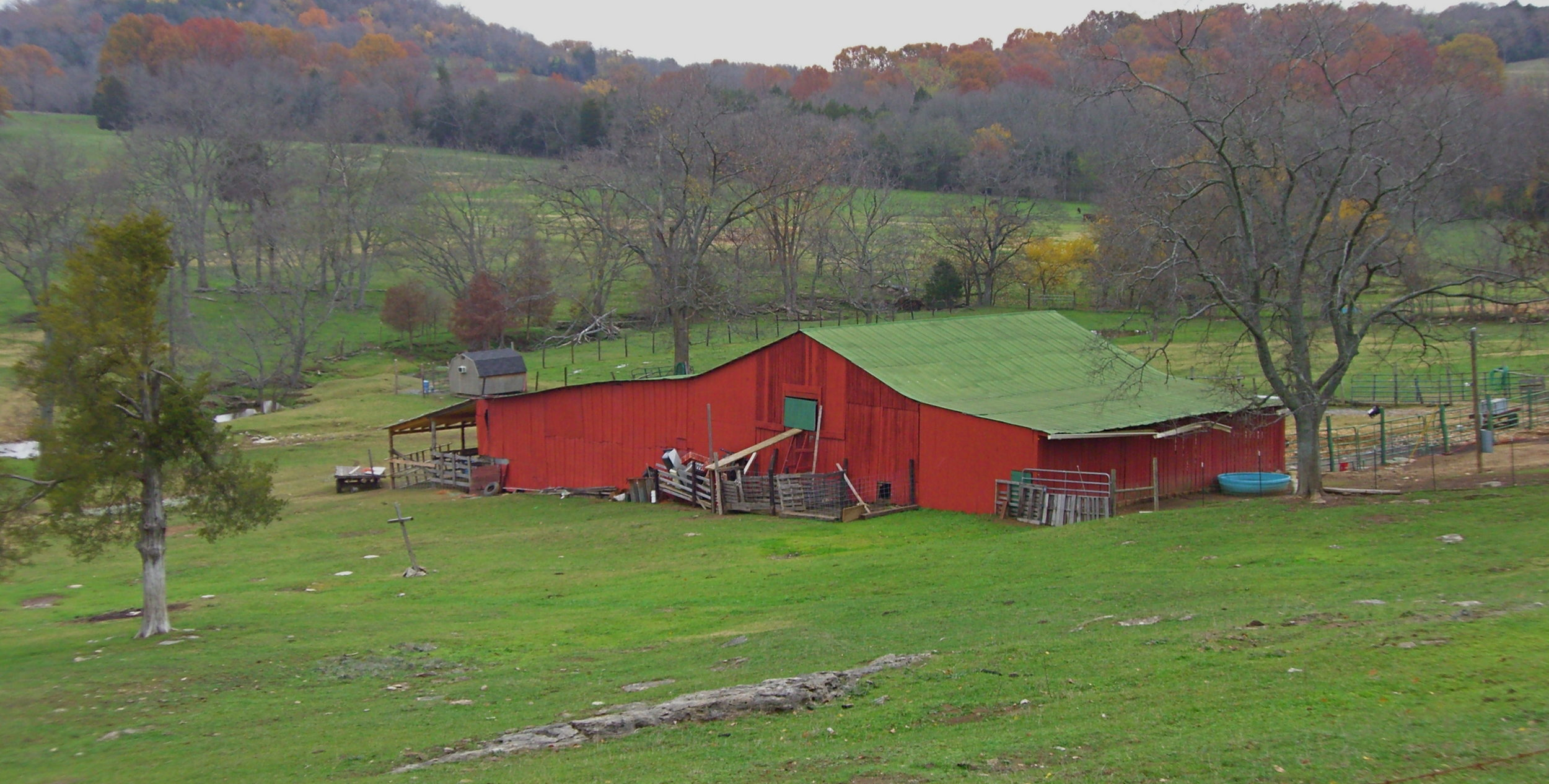 Red_Barn,_Coleman_Rd.,_Williamson_County,_TN,_USA_-_panoramio.jpg