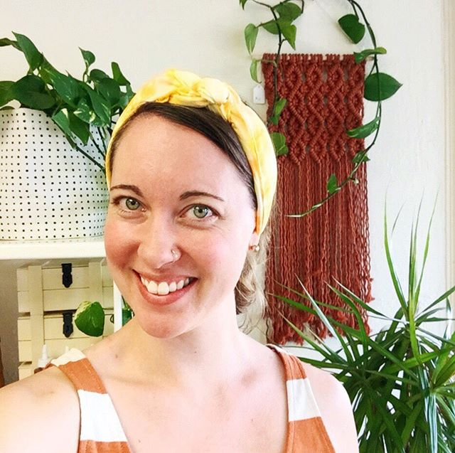 Hello lovely MPN friends 👋🏼 Let's get to know each other shall we?⠀ 〰️⠀ I'm Amy, the owner/designer/maker behind Moss Points North. This was the most recent photo of myself on my phone (any other photos of me are on my husband's phone 😄) and it showcases my life lately fairly well 🌿 I'm into the color orange, my studio plants, and promoting the workshops & craft projects at @sunshinecraftco (here I'm demoing a scarf you can dye at Saturday's workshop!) 🙌🏽 Do you ever pause to think about the things you're into lately? I've also been getting into morning smoothies and motivating podcasts ✨⠀ 〰️⠀ What's something you're loving lately? 😊⠀ .⠀ .⠀ .⠀ #fridayintroductions #azlocal #azartist #arizonamaker #phoenixmaker #creativepreneur #risingtidesociety #communityovercompetition #mycreativebiz #beingboss