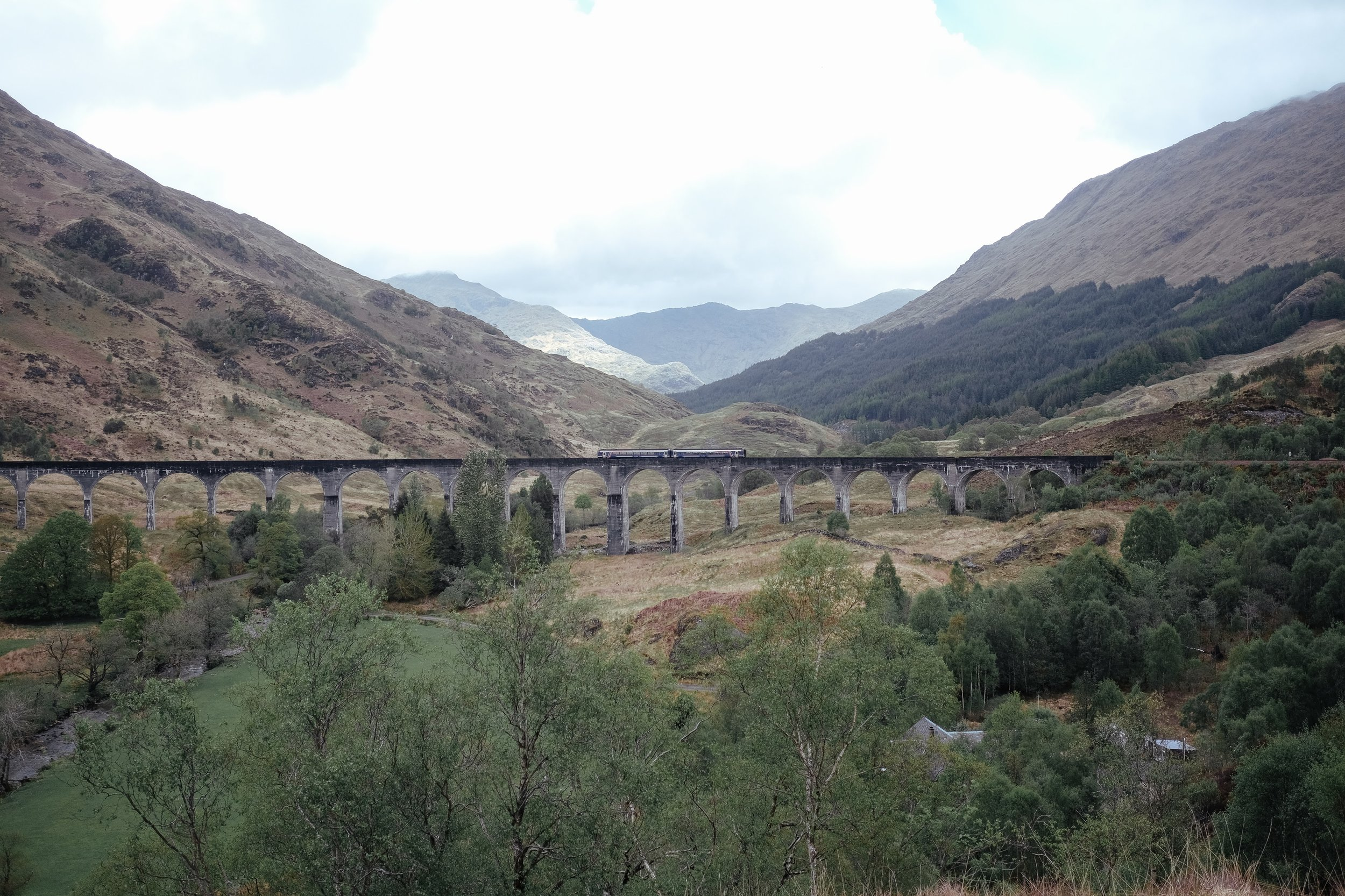 Day 5 Glencoeto Tomintoul - Glenfinnan > Neptune's Staircase> Commando Memorial > Urquhart Castle