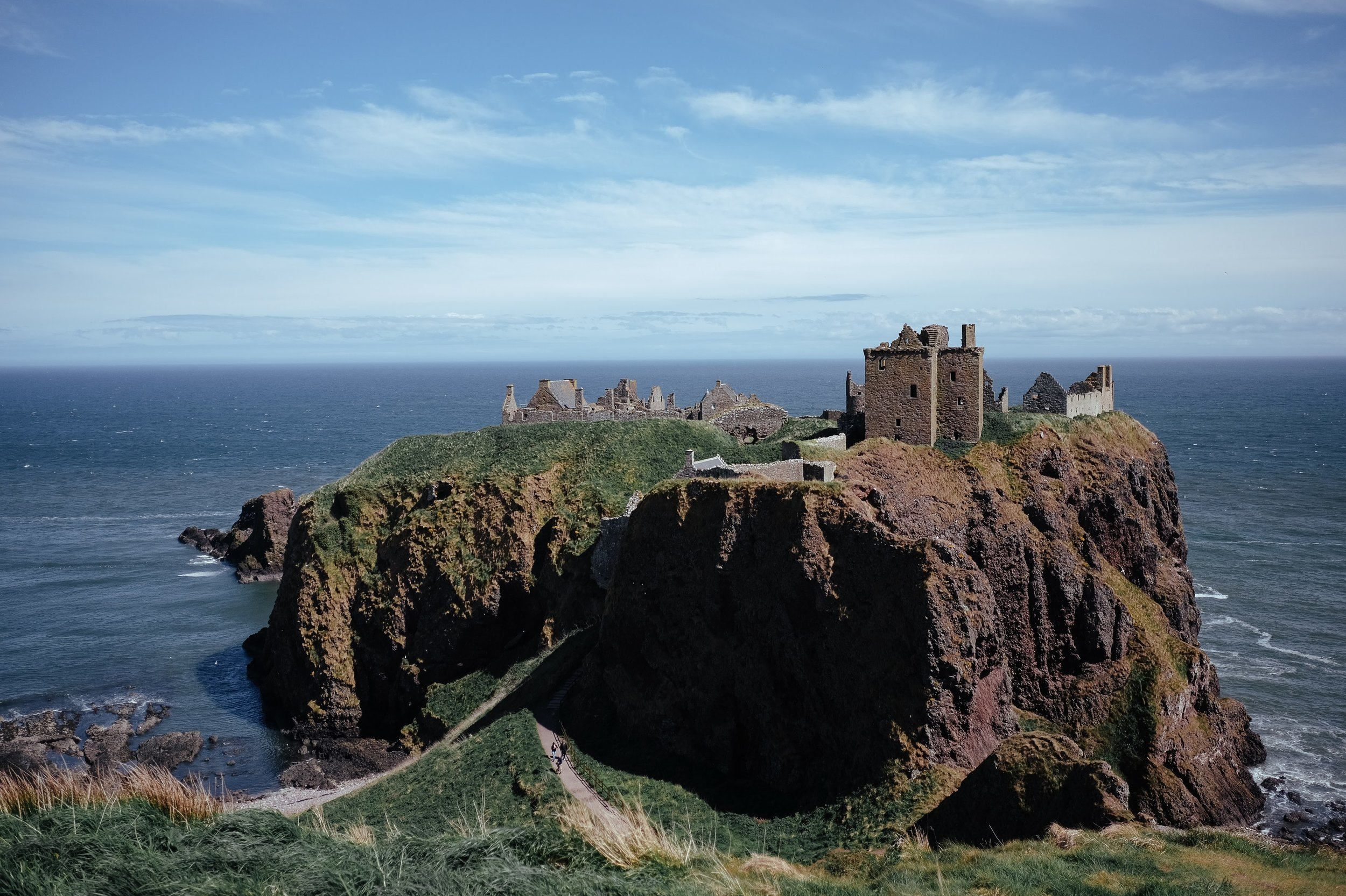 Day 7 Aberdeen to Edinburgh - Stonehaven War Memorial > Dunnottar Castle> St Andrews Cathedral > Forth Bridges