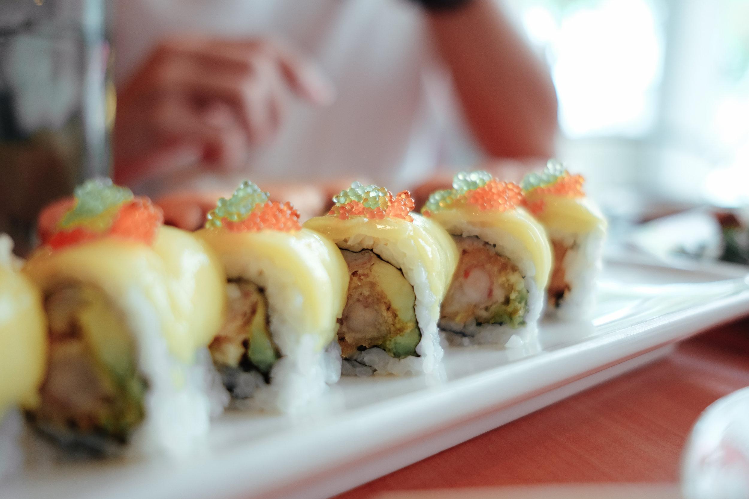 standing-sushi-bar-4