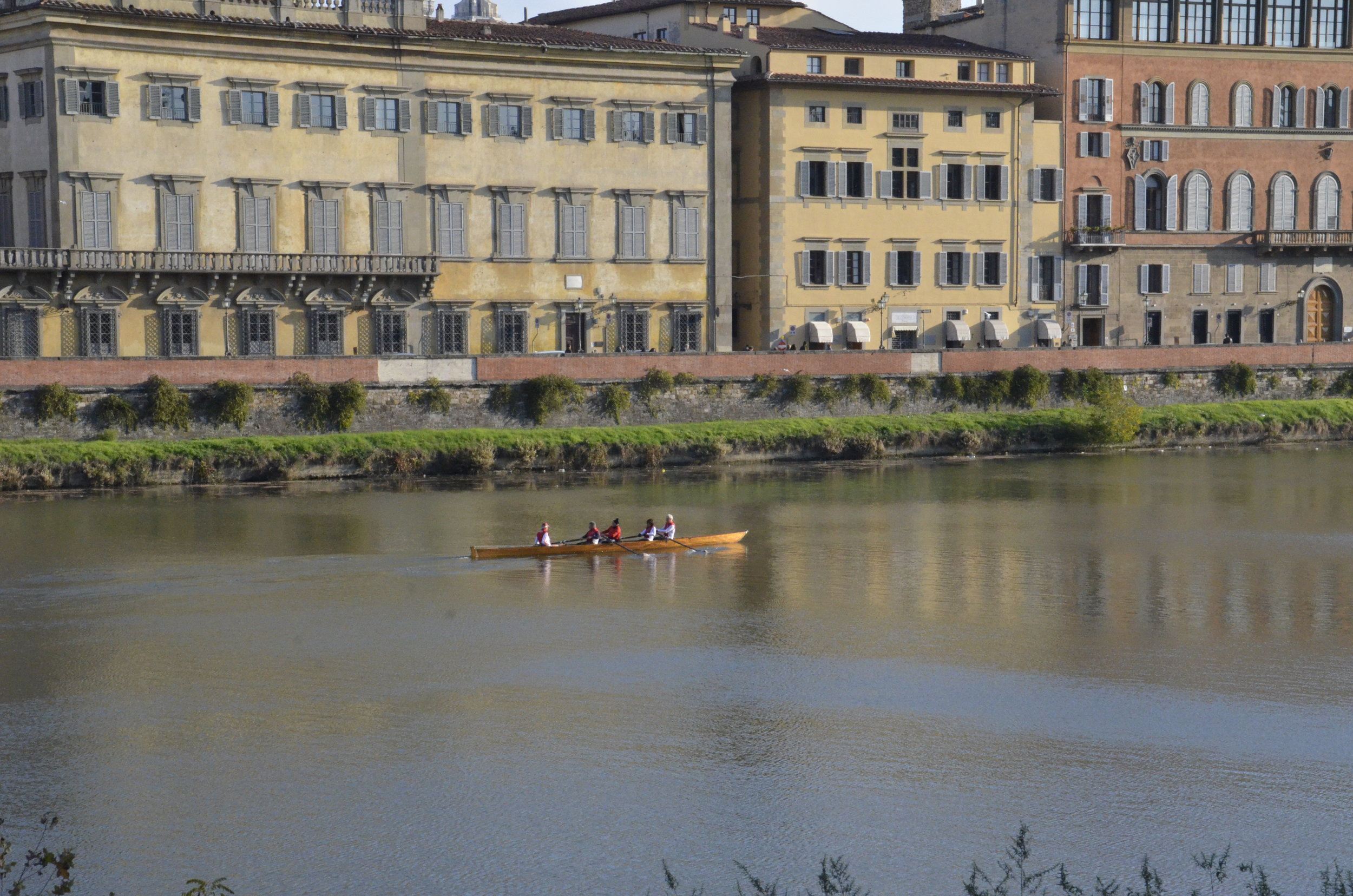 Early morning rowers on the Arno