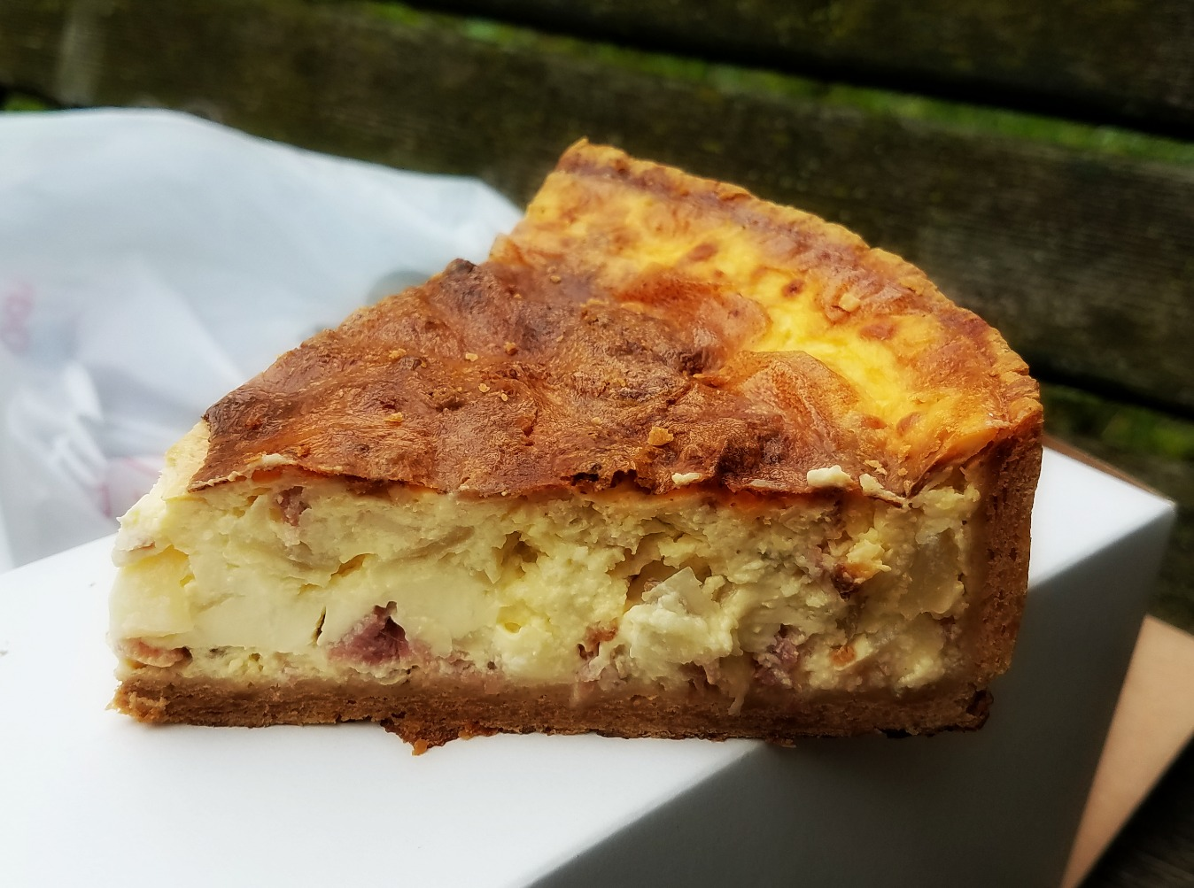 I'm not saying you couldn't mug someone with this quiche by hitting someone in the head with it, but I'm not NOT saying it.
