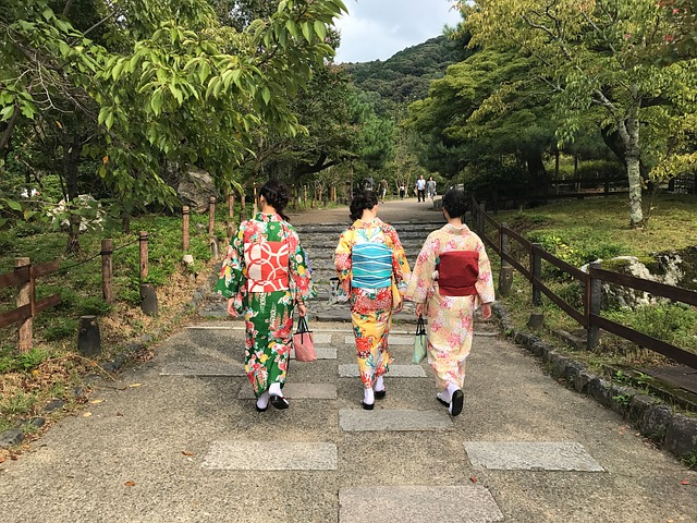 Experience the traditional culture while studying in Kyoto.