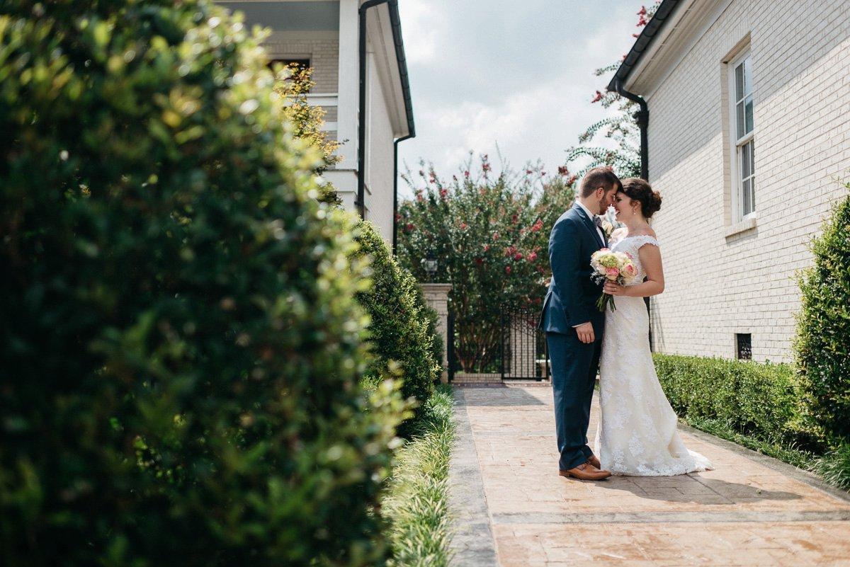 054_colonels_quarters_oxford_mississippi_wedding_photogrpher