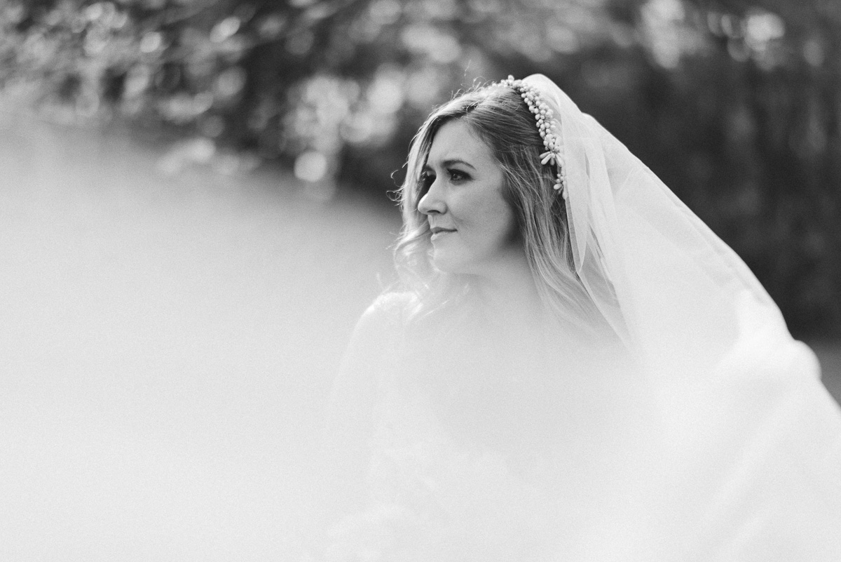 wedding photography at the mill at plein air in taylor mississippi