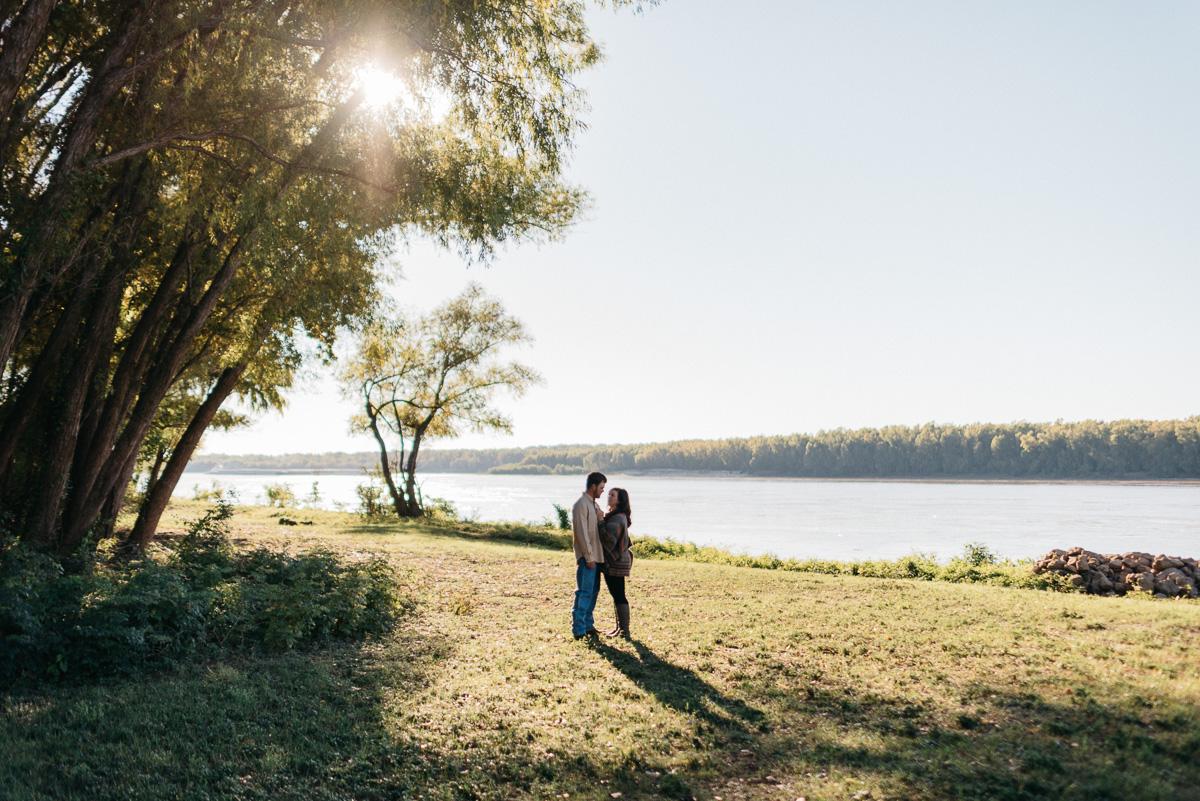 Engagement photography along the Mississippi River near Vicksburg, Mississippi
