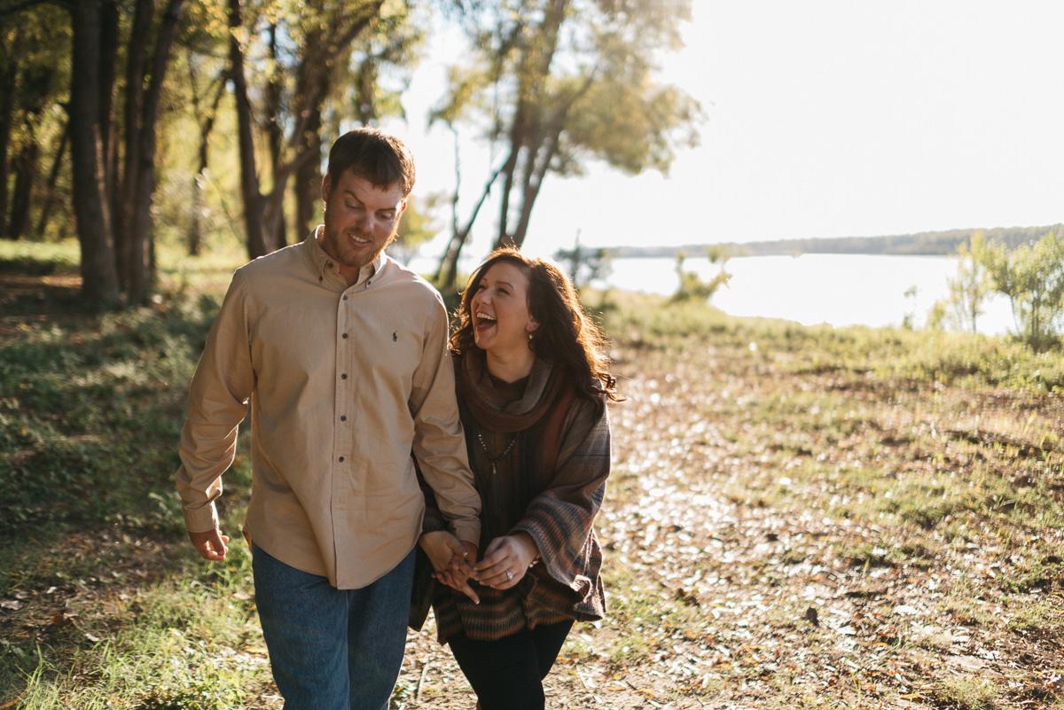 Engagement photography along the Mississippi River near Natchez, Mississippi