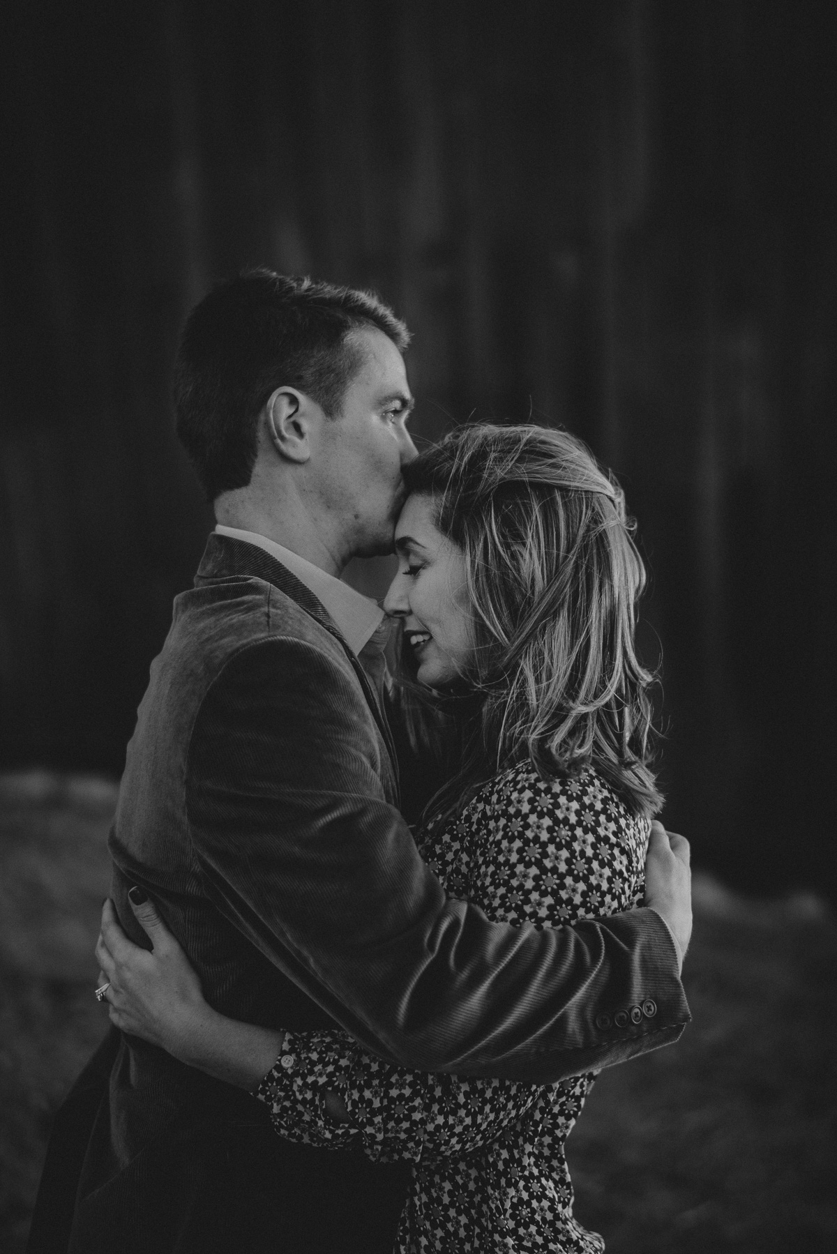 banks of the mighty mississippi river downtown memphis engagement photography
