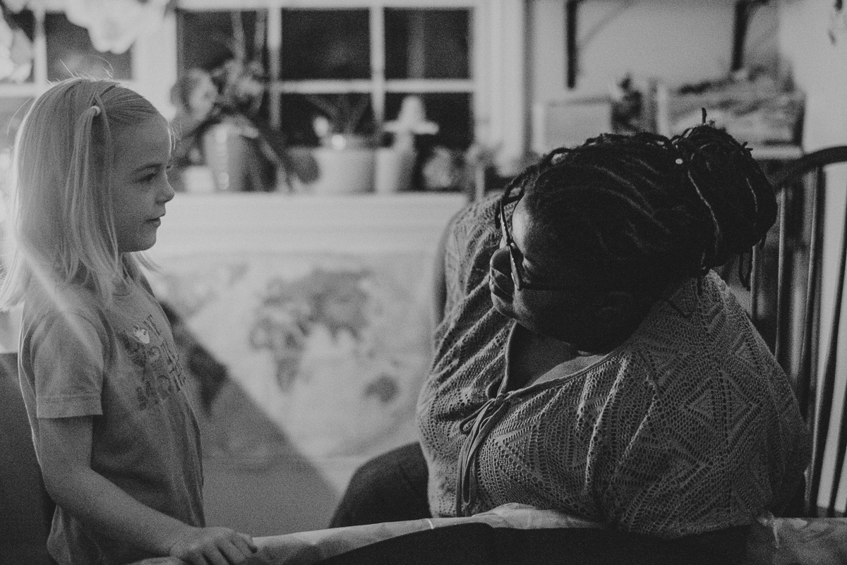 home birth photography with a midwife