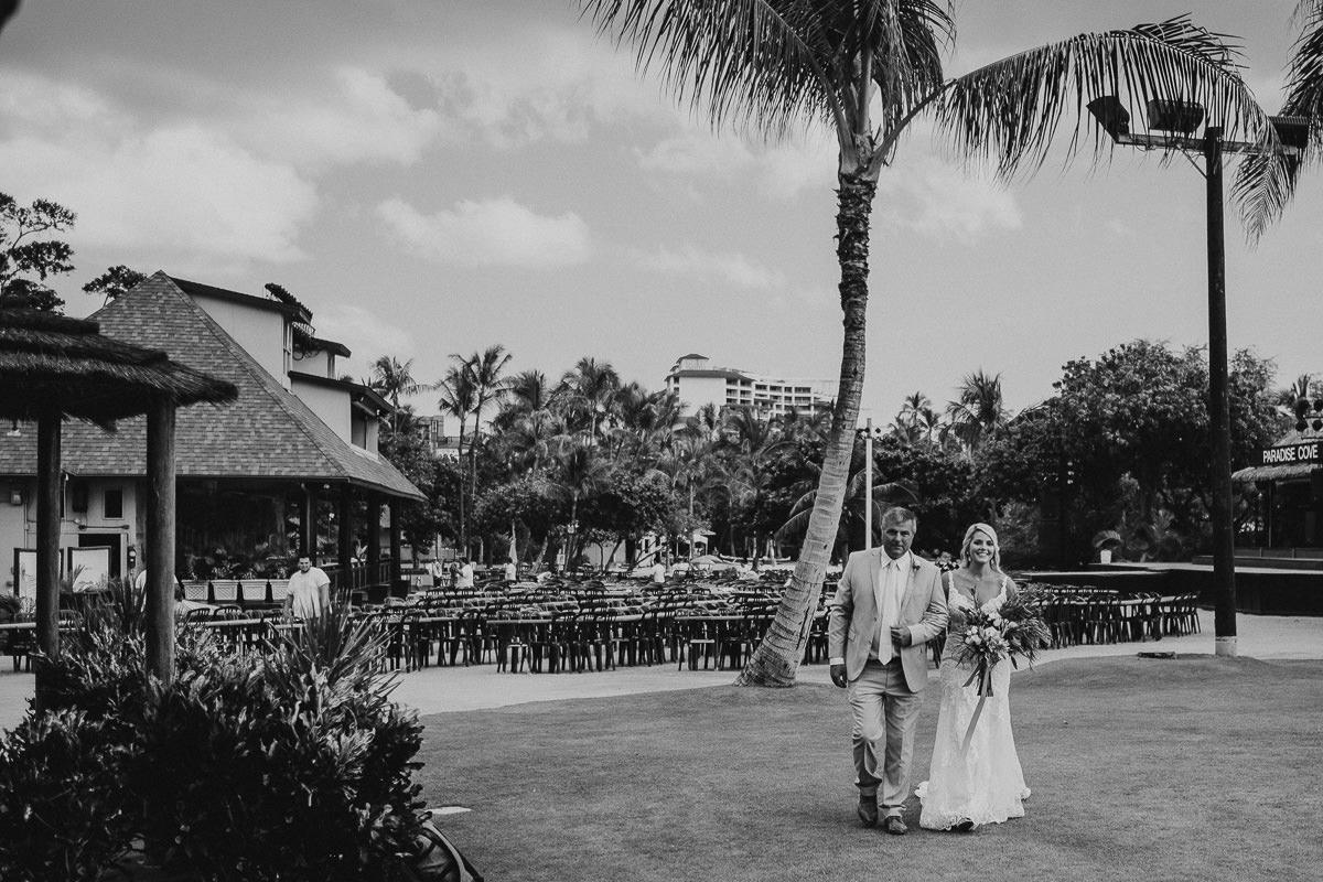 Honolulu_Hawaii_Elopement_Wedding_22.jpg