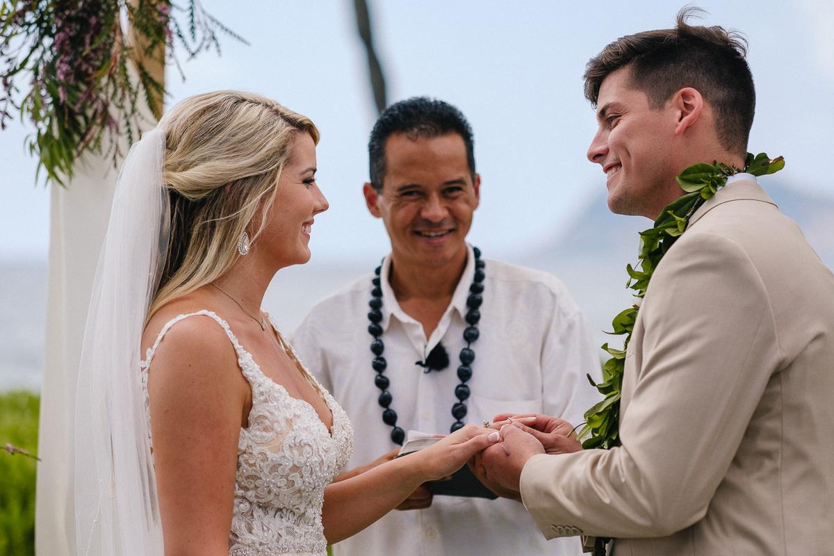 Honolulu_Hawaii_Elopement_Wedding_25.jpg