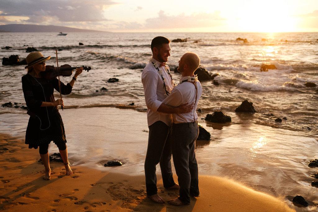 Same_Sex_Maui_Hawaii_Destination_Wedding_38.jpg