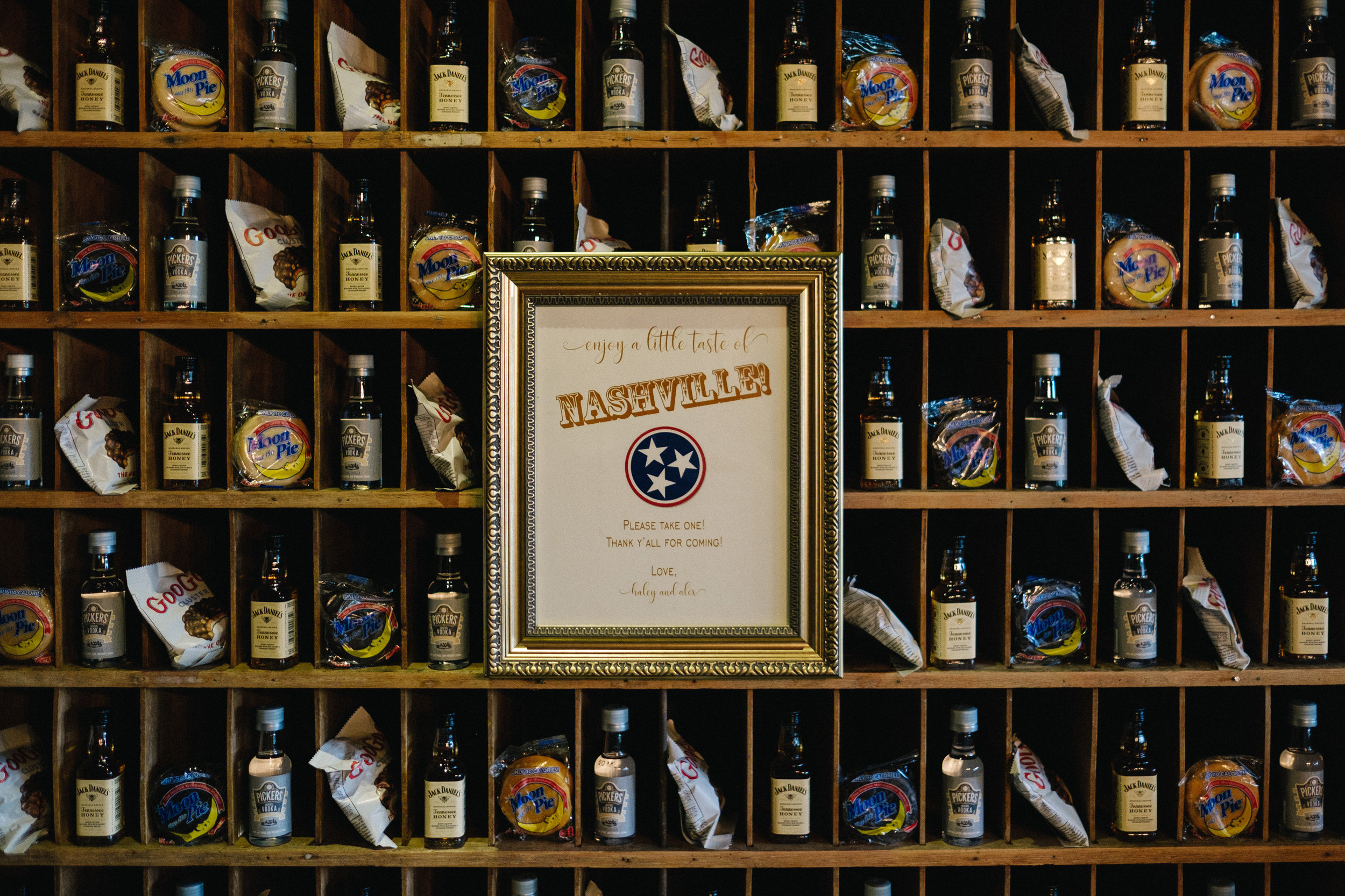 Nashville_Wedding_Photography_Mint_Springs_01.jpg