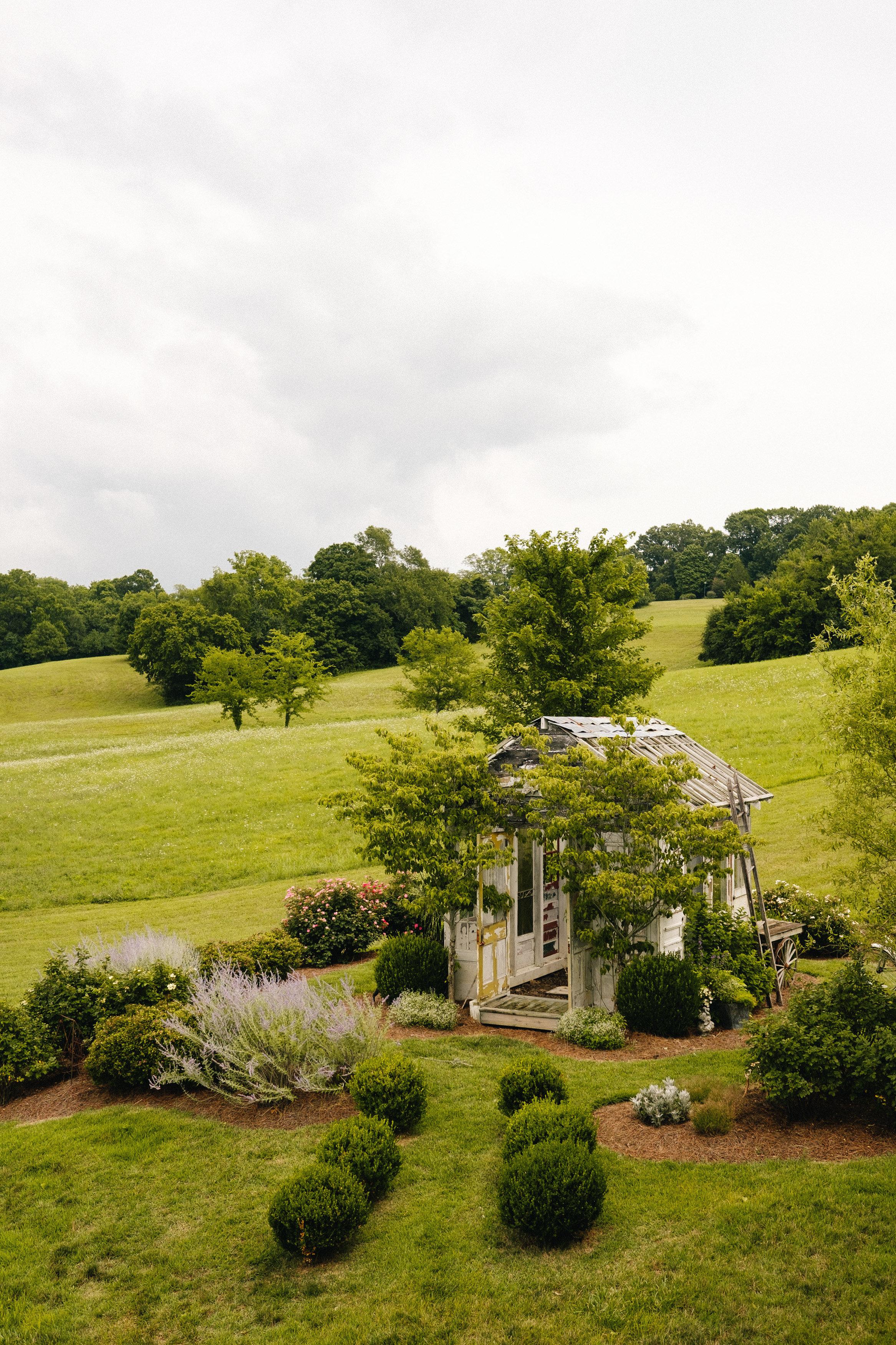 Nashville_Wedding_Photography_Mint_Springs_19.jpg