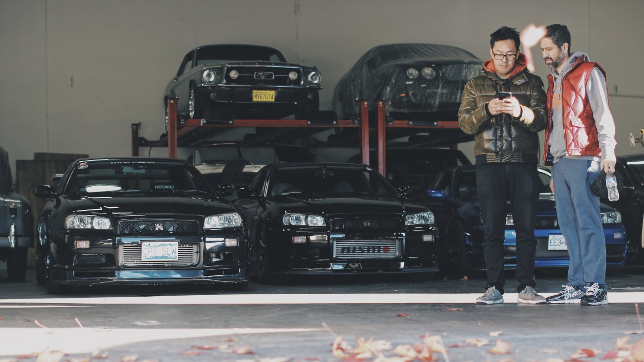 All R-34s lined up for shipping. And here is Mark and Victor scheming to smoke me on track.
