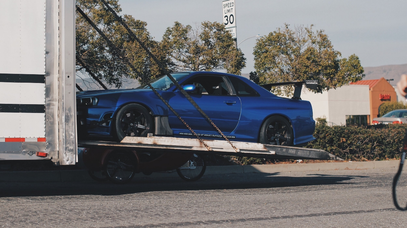 The moment we have been eagerly waiting for - to have our R-34s unloaded on California soil.