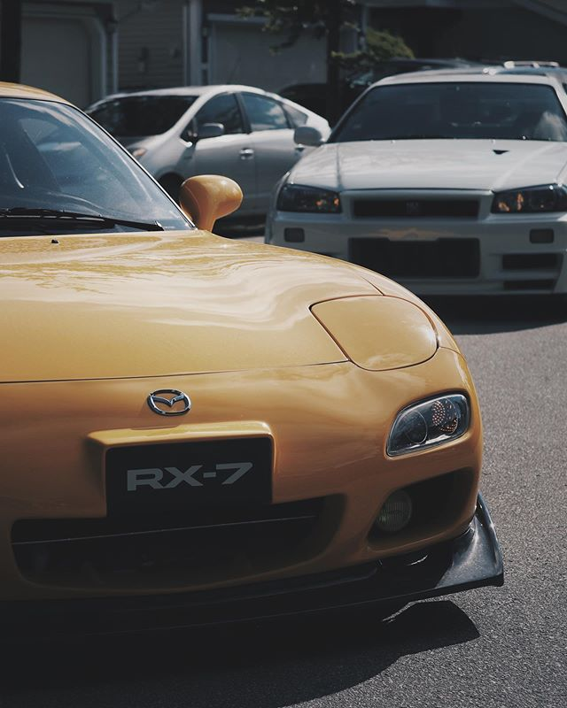 This guy never stop amused me....must resist buying another car. 😑😑😑😑😑 ________________________________________ #cwcollective #mazda #fd3s #bridgeport #rx7 #efr9174 #godzilla #bnr34 #skyline #gtr