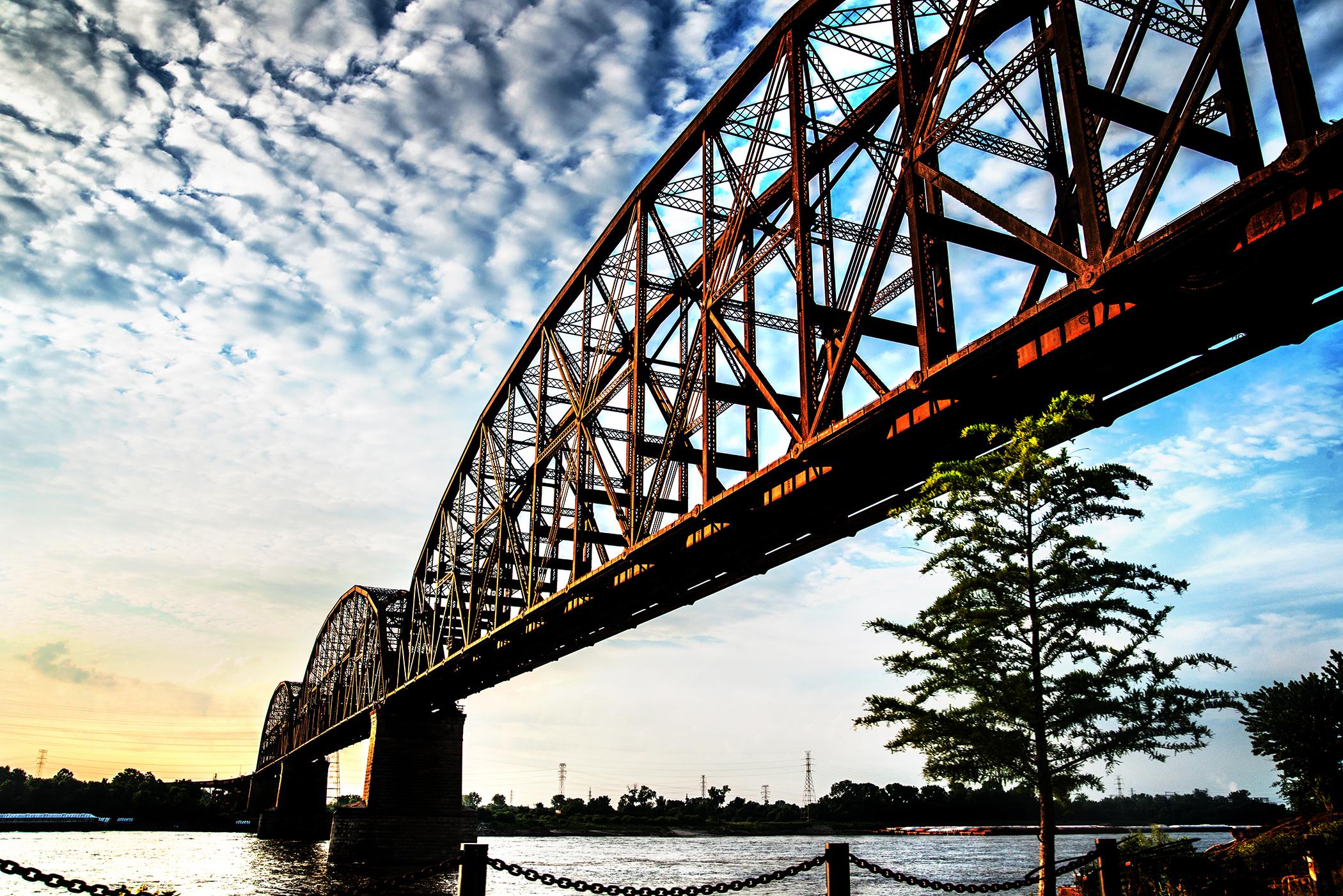StLouis_MO_Merchant bridge_LacledesLanding_travel_Travelphotography_jbogerphotography (1).jpg