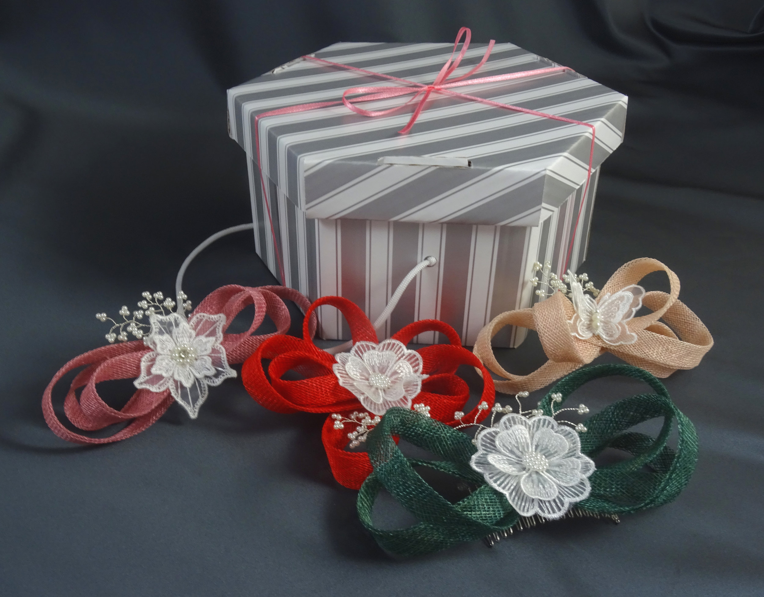 Kits available in the online shop here:  http://www.warrillowstudio.com/shop/1-fascinator-comb-kit