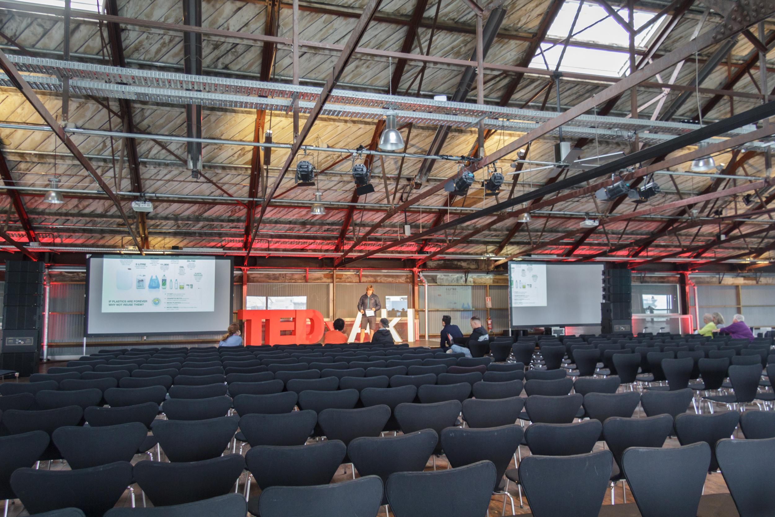 AutumnRainVisual_TedX2018_IMG_6651.jpg