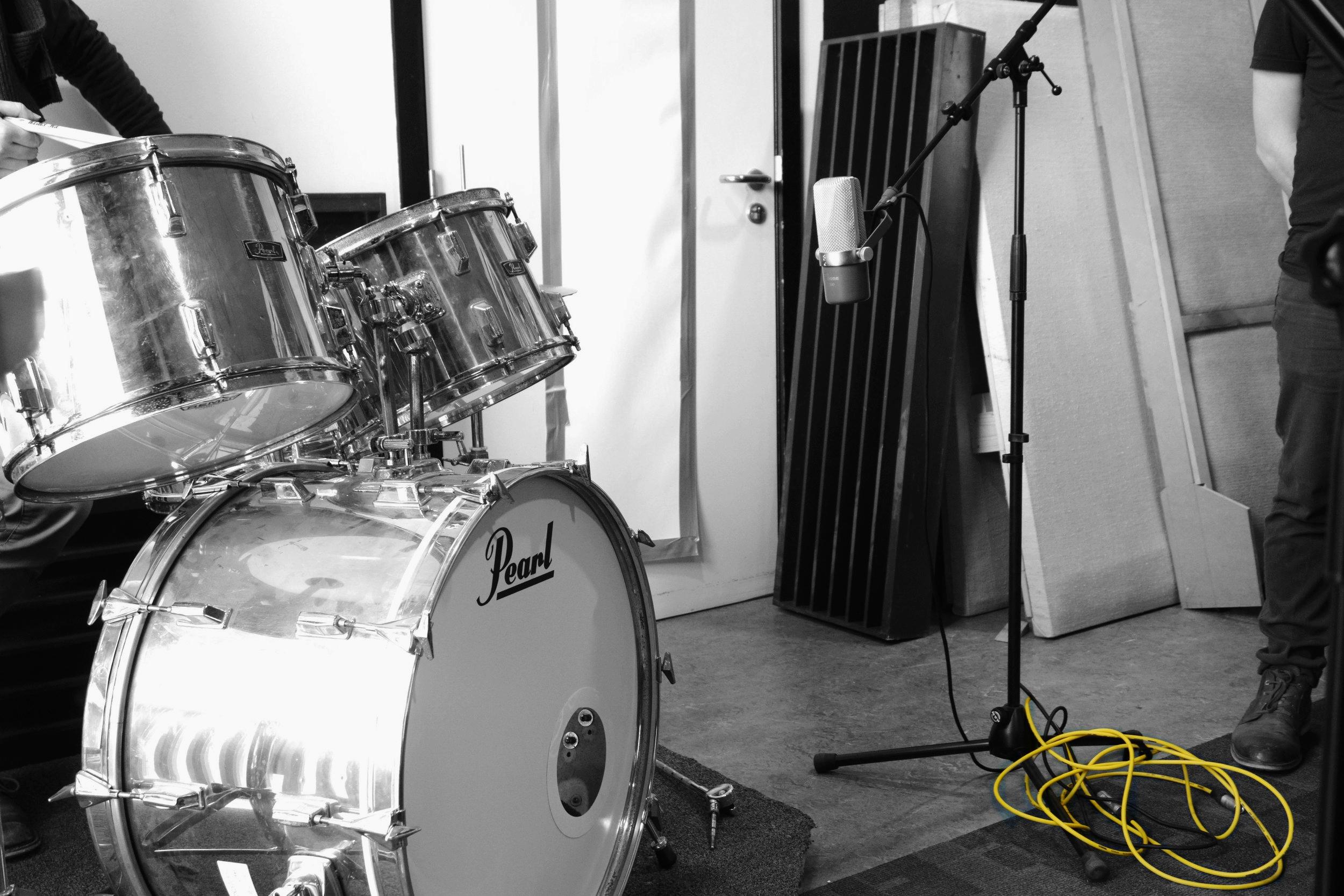Muziekstudio - Recording - Mixing - MasteringSingle - EP - Album - Demo