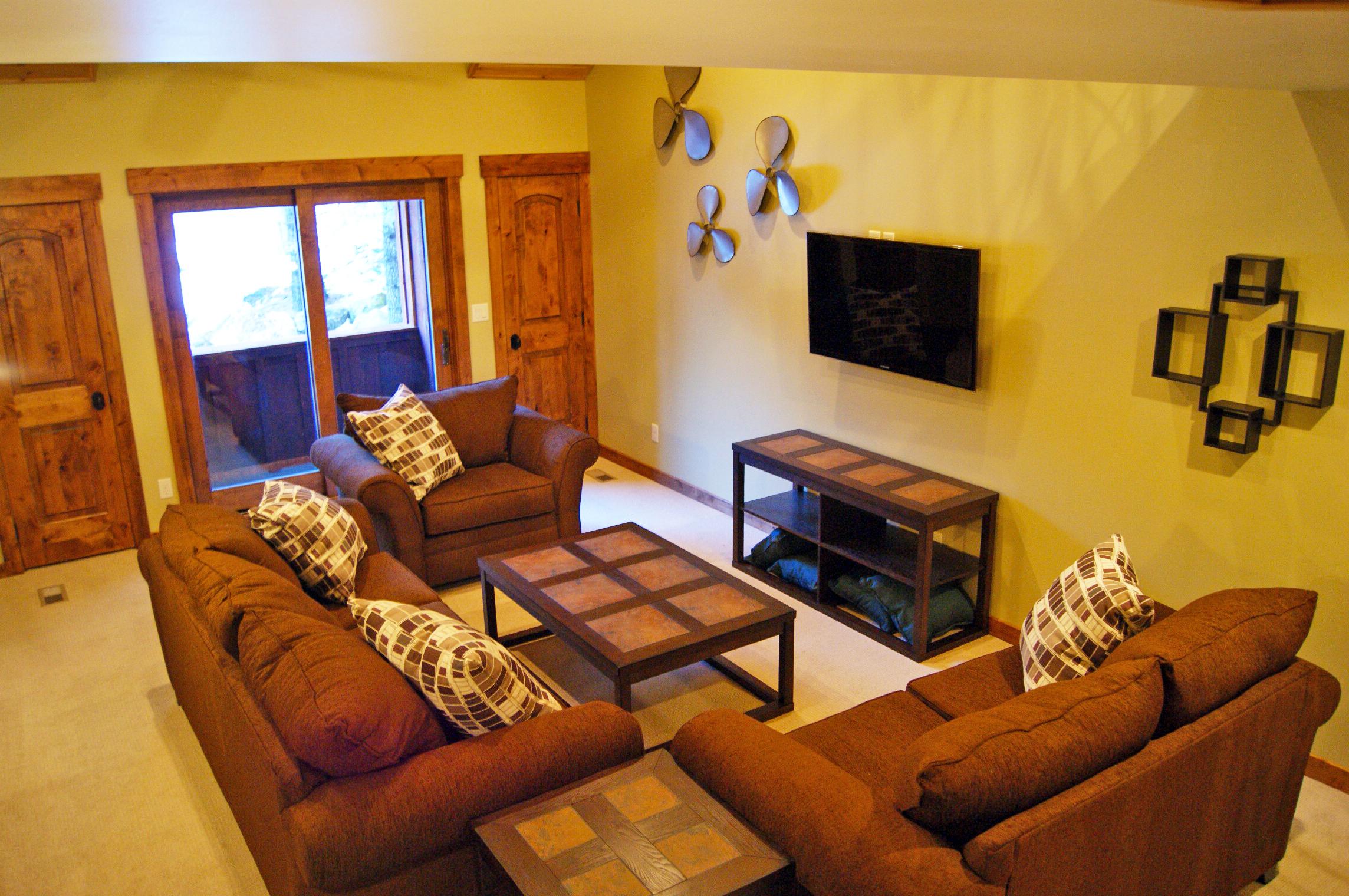 Living Room Upstairs.jpg