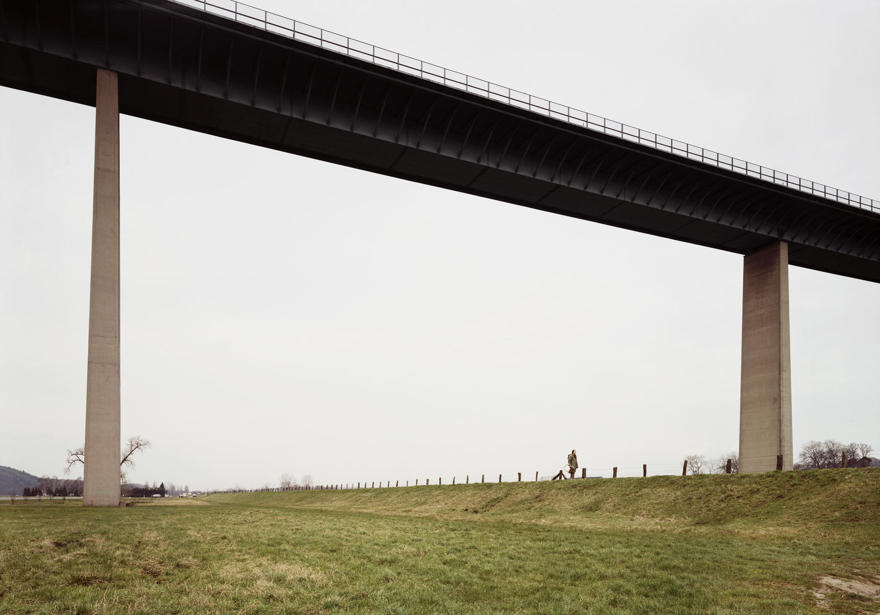 Ruhr Valley (Gurksy, 1989) . Courtesy of http://www.andreasgursky.com
