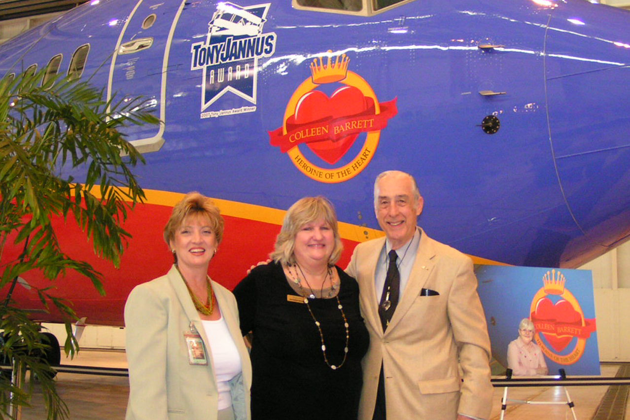 Colleen Picard, Diane Cox, and Dick Newton - 1, 4 Apr '07.jpg